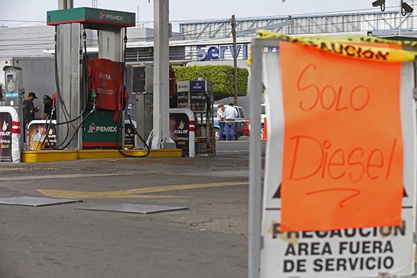 En varios estados se reporta desabasto de combustible.  FOTO: CUARTOSCURO