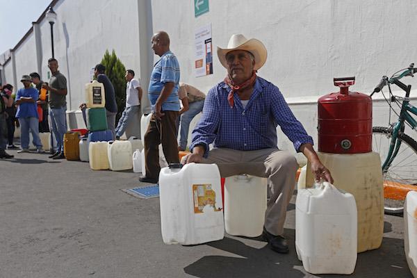 Desde el 3 de enero se ha reportado desabasto de gasolina en la entidad; dicen que necesitan 15 millones de litros al día. Foto: Cuartoscuro
