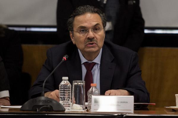 Octavio Romero Oropeza, titular de Petróleos Mexicanos, durante la mesa de trabajo de la Comisión de Hacienda y Crédito Público. Foto CUARTOSCURO.COM