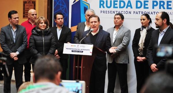José Rosas Aispuro, Gobernador de Durango en una rueda de prensa. Foto: @AispuroDurango