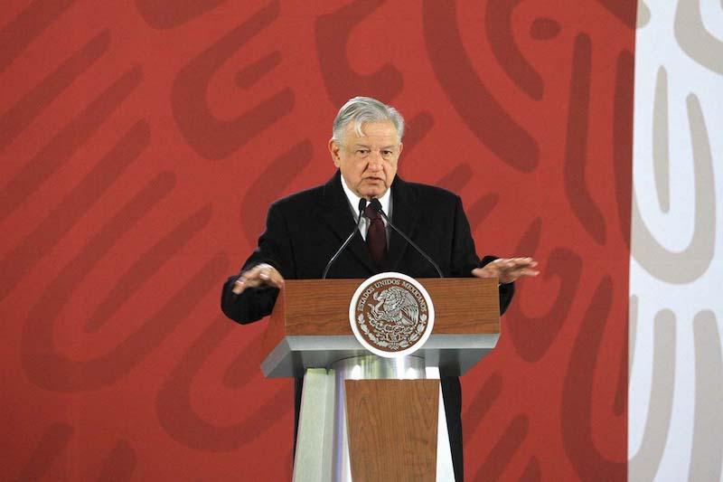 El Presidente pidió a la población tener paciencia frente al cambio en la estrategia de distribución de Pemex. Foto: Notimex