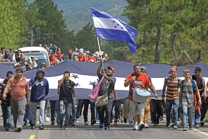 Unos 10 mil centroamericanos cruzaron la frontera mexicana el año pasado, por lo menos en cinco caravanas.