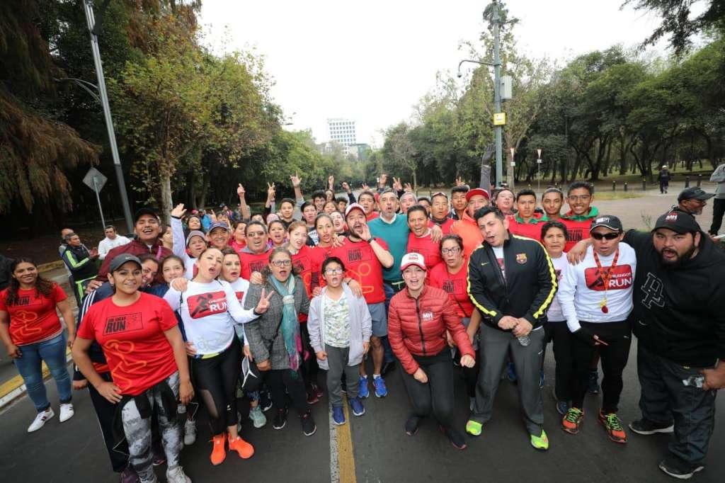 """El alcalde Romo recordó, en el Circuito Gandhi, en Polanco, que ya existe el grupo de """"Chilangos Run"""""""