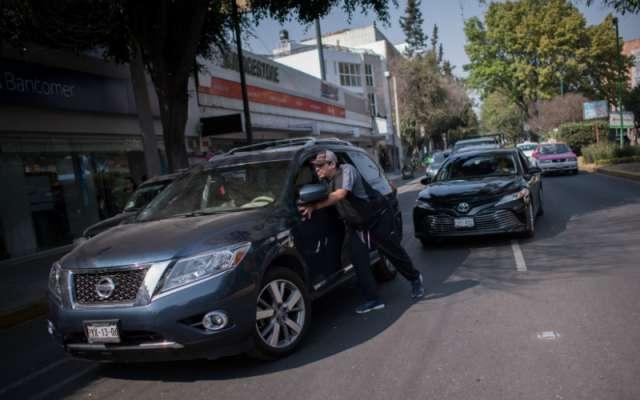 La mandataria capitalina advirtió que se aplicarán sanciones como multas y prisión preventiva por reventa de gasolina