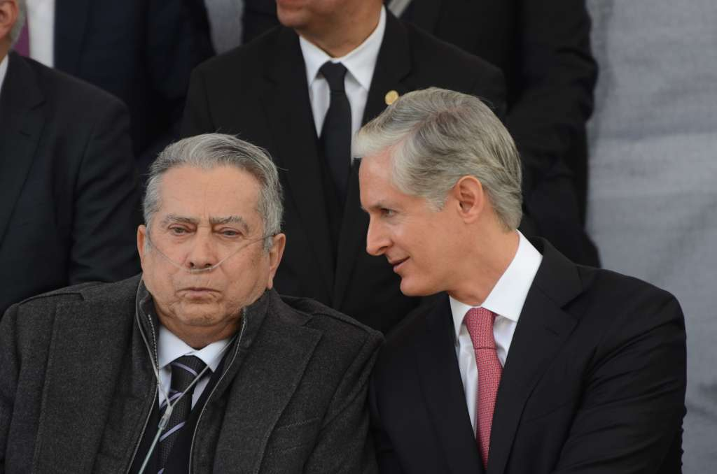 El Gobernador del Estado de México, Alfredo del Mazo Maza, acompañado por su padre Alfredo del Mazo González. FOTO: ARCHIVO/ CUARTOSCURO