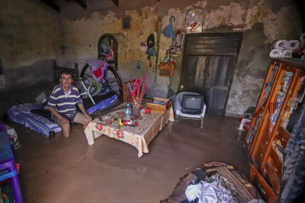 En los municipios de Acaponeta, Huajicori, Rosamorada, Ruiz y Santiago Ixcuintla todos los enseres se entregarán a más tardar el 28 de febrero próximo, aseguró