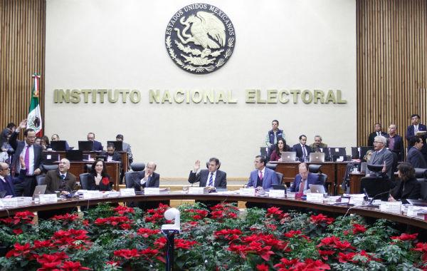 La decisión de no enterar a Hacienda el ISR de los trabajadores del INE fue aprobada por la Comisión de Presupuesto y será votada por el Consejo General, el próximo 23 de enero