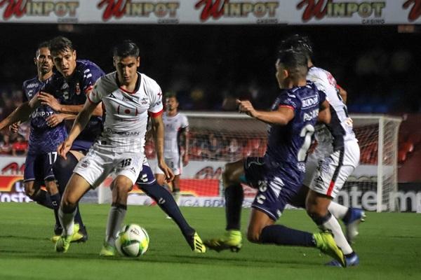 Con este resultado de la jornada dos del Torneo Clausura 2019 de la Liga MX, los poblanos llegaron a seis unidades y Tiburones Rojos se quedó con un punto. Foto: Especial