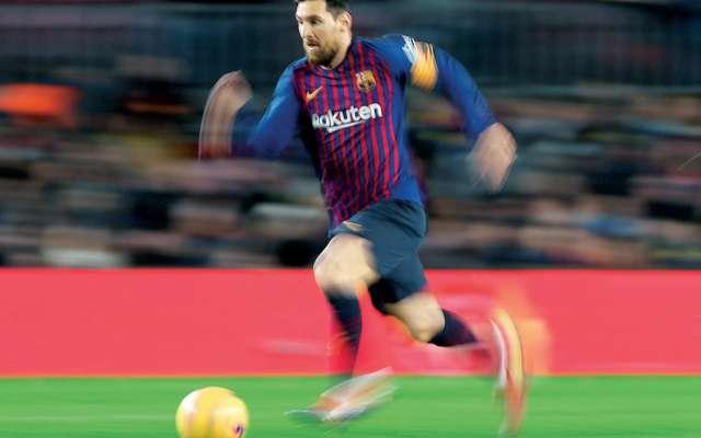 Ante el Eibar, Messi transformó un tanto –el octavo en las últimas cinco jornadas–, que le permitió alcanzar la cifra de 400 en Liga