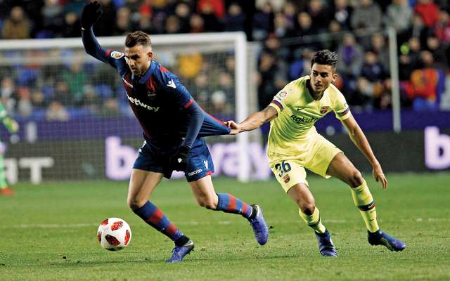 VERDUGO. Borja Mayoral (izq.) anotó el para su adaptación. segundo gol del juego y fue una pesadilla. Foto: AP