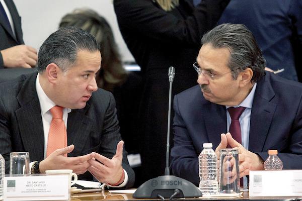 DIÁLOGO. Octavio Romero Oropeza (der.), titular de Pemex, en mesa de trabajo con legisladores. /CUARTOSCURO.COM