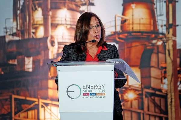 VISIÓN. Rocío Nahle, titular de la Sener, dijo que el gobierno pretende aumentar la producción. Foto: EFE