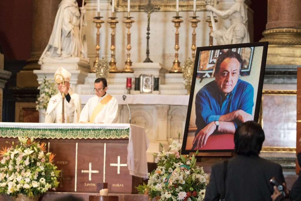 Amigos y Familiares de  José Sulaimán asistieron a la misa en la antigua Basílica de Guadalupe. FOTO: CUARTOSCURO