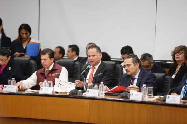 Santiago Nieto compareció ante diputados y senadores. Foto: Canal del Congreso