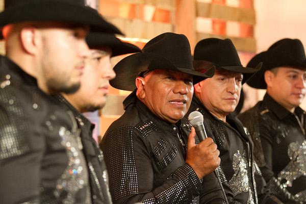 Producirán bioserie del grupo Bronco, inspirada en libro de Lupe Esparza