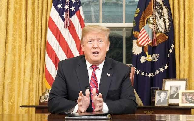 En esta foto del 8 de enero del 2019, el presidente Donald Trump habla en la Casa Blanca sobre seguridad fronteriza. (Carlos Barria/Pool Foto vía AP)