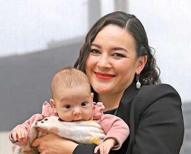 Márquez asegura que no dejará de luchar por la paridad de género e ir con su hija al trabajo. Foto: Víctor Gahbler