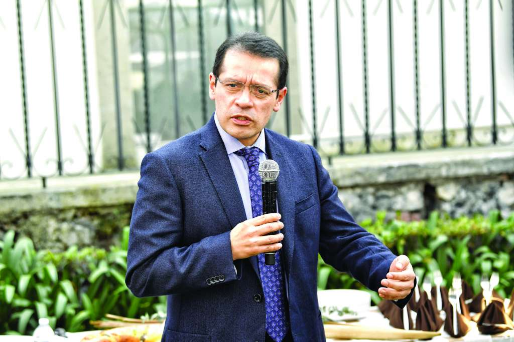 BALANCE. Ramírez Pineda dijo que será un reto atender a los nuevos asegurados y a sus familiares. Foto:  CARLOS NAVARRO