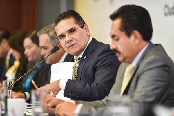 Silvano Aureoles, gobernador del estado de Michoacán, durante su participación en el inicio de la Reunión Plenaria de los Grupos Parlamentarios del PRD. FOTO: MISAEL VALTIERRA /CUARTOSCURO.COM
