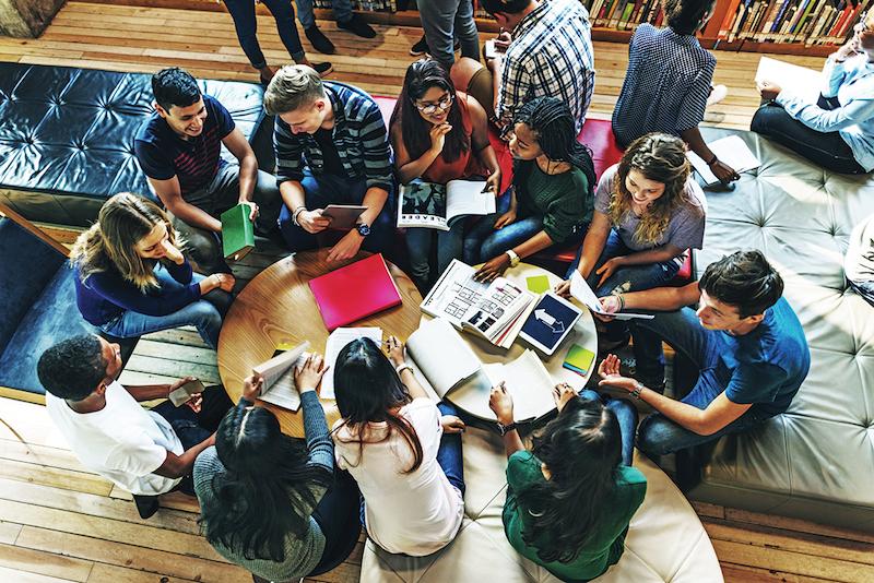La OCDE alertó sobre las fallas en el sistema de educación superior en México.