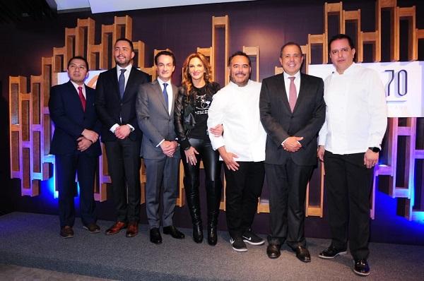 Azul 70 es el nombre del establecimiento que se encuentra ubicado en el hotel Fiesta Americana Reforma, Ciudad de México. Foto: Cortesía