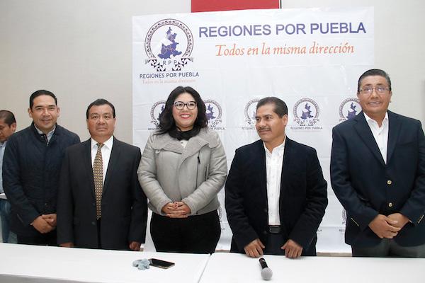 Integrantes de Regiones por Puebla dijeron que el objetivo es fusionar a grupos panistas. Foto: Enfoque