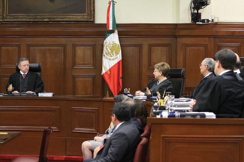 En una reunión privada en el interior de la Corte, los ministros acordaron hacer la revisión. Foto: Notimex