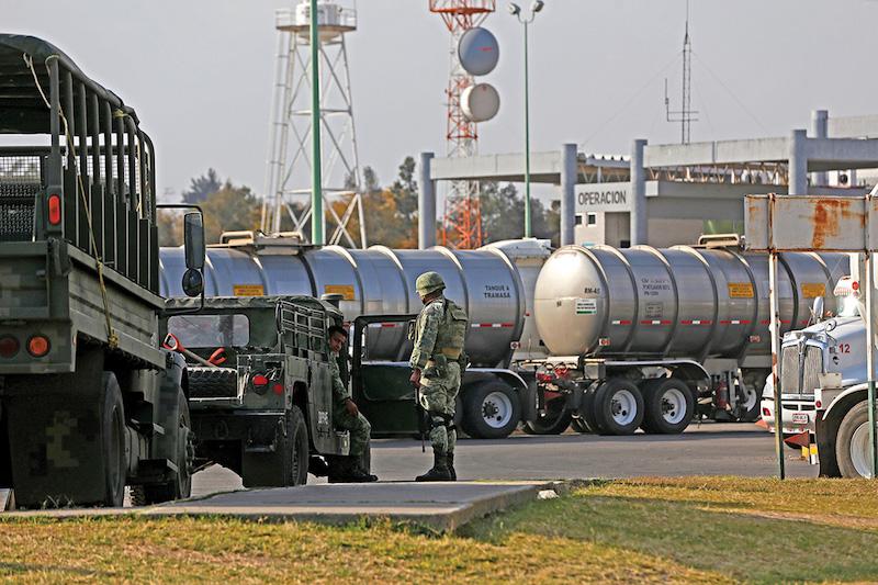 Petróleos Mexicanos surte 800 mil barriles de gasolina para atender demanda, afirman. Foto: Cuartoscuro.