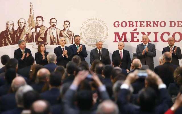 El Presidente convivió con los 105 integrantes del cuerpo diplomático. Foto: Víctor Gahbler / El Heraldo de México.