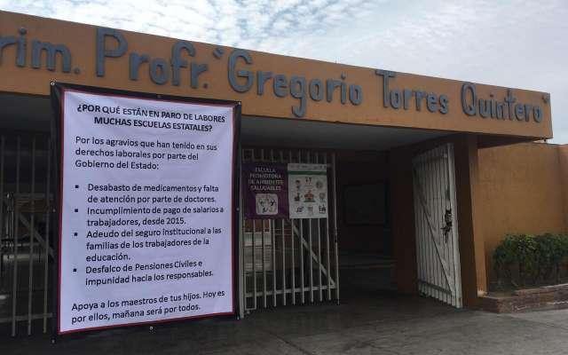 El director de dicho plantel, Romel Cornelio Barbosa, dijo que decidieron sumarse porque son muchos incumplimientos por parte del gobierno del estado