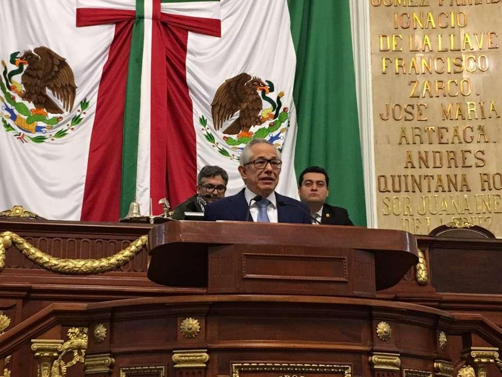 """El penúltimo párrafo del artículo 25 de la ley señala que """"durante el desarrollo de sesiones del Congreso se dispondrá de las y los intérpretes de Lengua de Señas Mexicanas"""