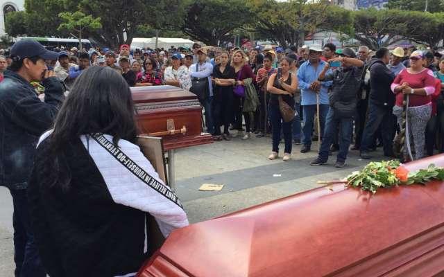 Previamente, la Coordinadora dio a conocer que Noé Jiménez Pablo fue torturado y asesinado por un grupo paramilitar que presuntamente lidera Carpio Mayorga