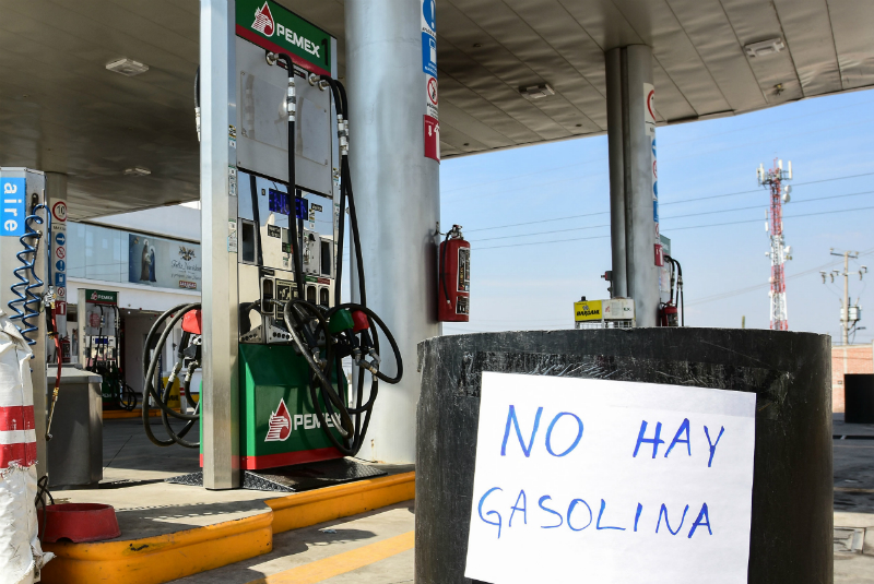 Pemex indicó que ante los constantes robos de pipas no enviarían el energético a diversas localidades sin equipo de resguardo
