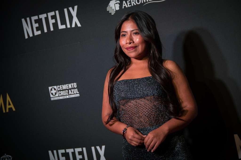 Yalitza Aparicio fue captada bailando cumbia. FOTOS: CUARTOSCURO