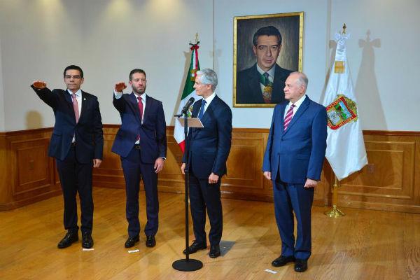 Alfredo Del Mazo Maza, tomó protesta a Andrés Massieu Fernández como nuevo titular de la Secretaría de Desarrollo Urbano y Metropolitano (SEDUyM), en sustitución de Enrique Jacob Rocha