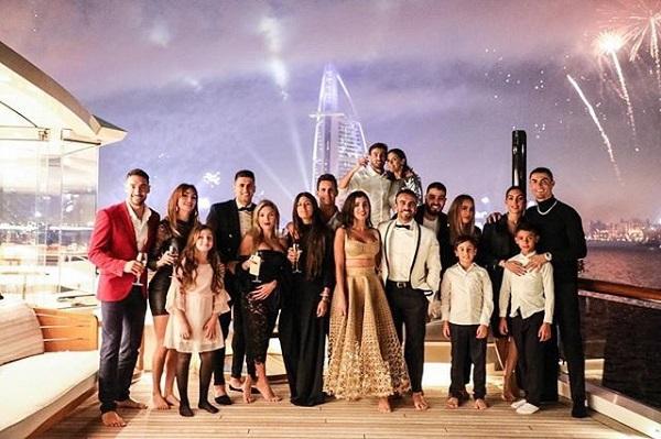 Cristiano Ronaldo recibió el año nuevo en Dubái. Foto: Twitter