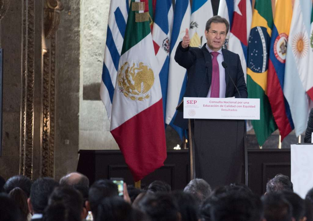 En la imagen, Esteban Moctezuma Barragán. FOTO: ARCHIVO/ CUARTOSCURO