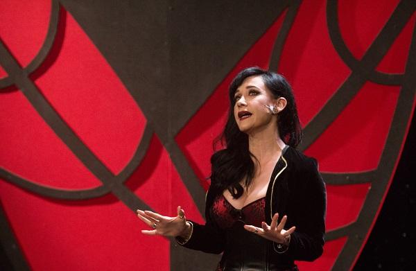 La cantante y actriz expresó su reconocimiento al cineasta mexicano. Foto: Cuartoscuro
