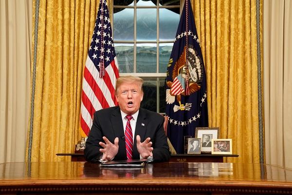Trump se dirigió al país en el día 18 del tercer cierre parcial administrativo que enfrenta su Gobierno. Foto: EFE