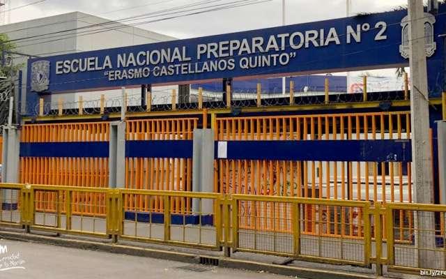 Las autoridades universitarias hicieron un recorrido por el plantel para realizar una primera evaluación sobre las condiciones que guarda FOTO: Especial