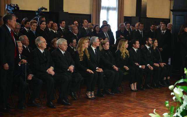 as exequias por el fallecimiento del exgobernadorAlfredo Del Mazo González, ha congregado a laclase política mexiquense. Foto: Especial