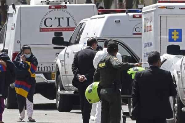 El vehículo detonó tras una ceremonia de ascenso de oficiales y cadetes. Foto: AFP
