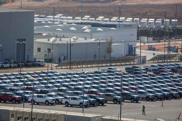 En diciembre se produjeron 237 mil 677 autos, por debajo de los 263 mil 124 que se reportaron en el último mes de 2017. Foto: Archivo | Cuartoscuro