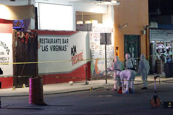 Los hechos ocurrieron a las 20:11 horas del domingo, cuando se reportaron detonaciones de arma de fuego en el barLasVirginias, ubicado en Avenida de los Gavilanes y Avenida Pavo Real. FOTO: CUARTOSCURO