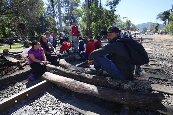 Bloqueo de CNTE en Michoacán genera incertidumbre ante cancelación de contratos, hay 180 trenes afectados, 8 mil 500 contenedores físicamente en los puertos de Veracruz y Manzanillo. FOTO: CUARTOSCURO