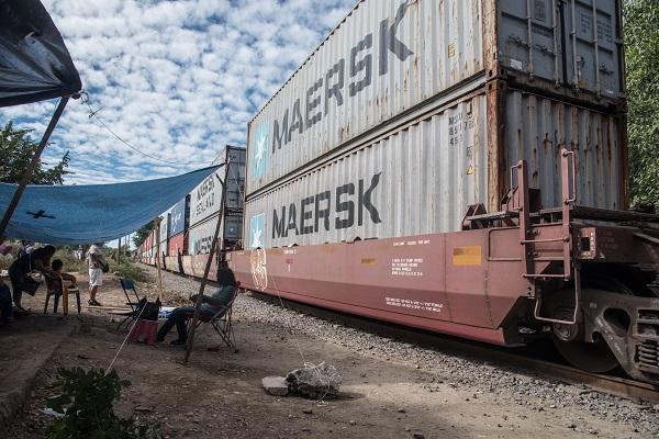La iniciativa privada ha señalado que los bloqueos ocasionan pérdidas entre mil y mil 500 millones de pesos. Foto: Cuartoscuro