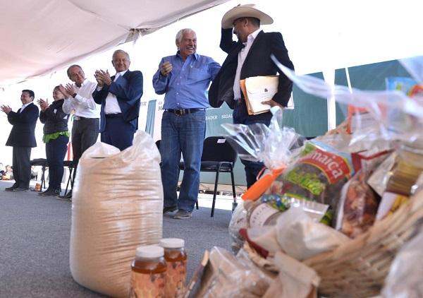 El Presidente de México Andrés Manuel López Obrador puso en marcha el programa alimentario Canastas Básica Integral para combatir la pobreza a nivel nacional.  Foto: Cuartoscuro