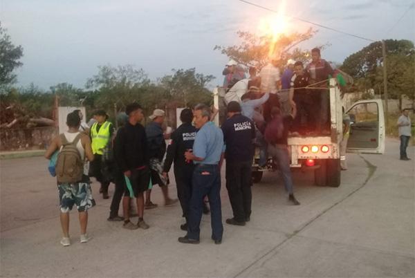 En Arriaga llegó un grupo aproximado de 500 migrantes que se han rezagado de los dos grupos mayores. FOTO: ESPECIAL
