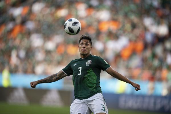 Carlos Salcedo actualmente milita en el Eintracht Frankfurt de Alemania Foto: Mexsports