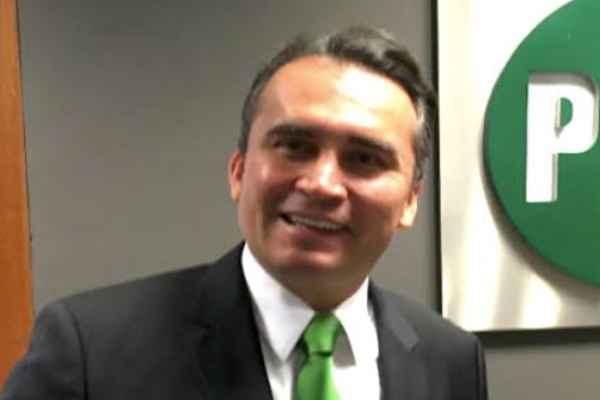 González Tachiquín fue secretario de Educación y director de Pensiones Civiles del Estado. Foto: Especial